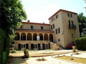 Pyrenes-Orientales, Languedoc Chateau