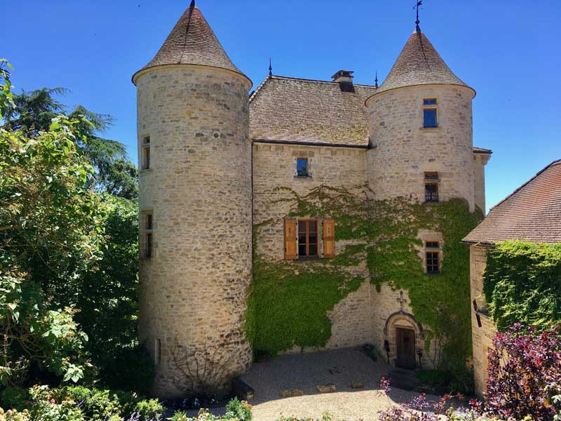 Tarn-et-Garonne chateau with views