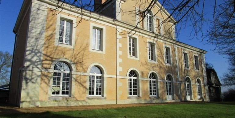 property sale france 6 bedroom mill for sale sarthe chateau du loir france. Black Bedroom Furniture Sets. Home Design Ideas